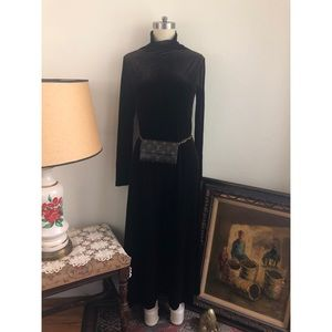 90s Vintage-Moda In'tl-Velvet-Turtle Neck dress
